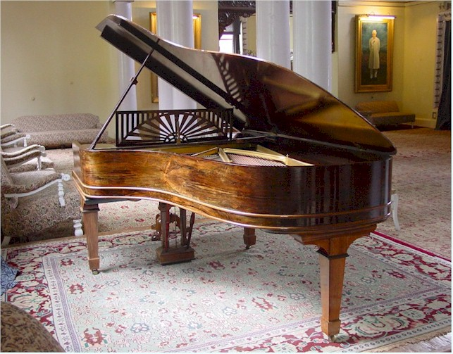 Raj Bhavan Udhagamandalam The Piano